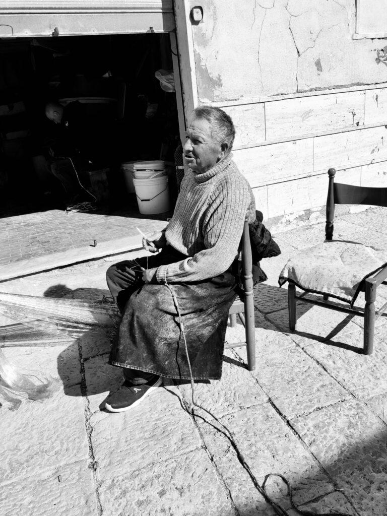 Vito Cinquepalmi. Pescatore. Archivio privato Carolina Blasi 2020
