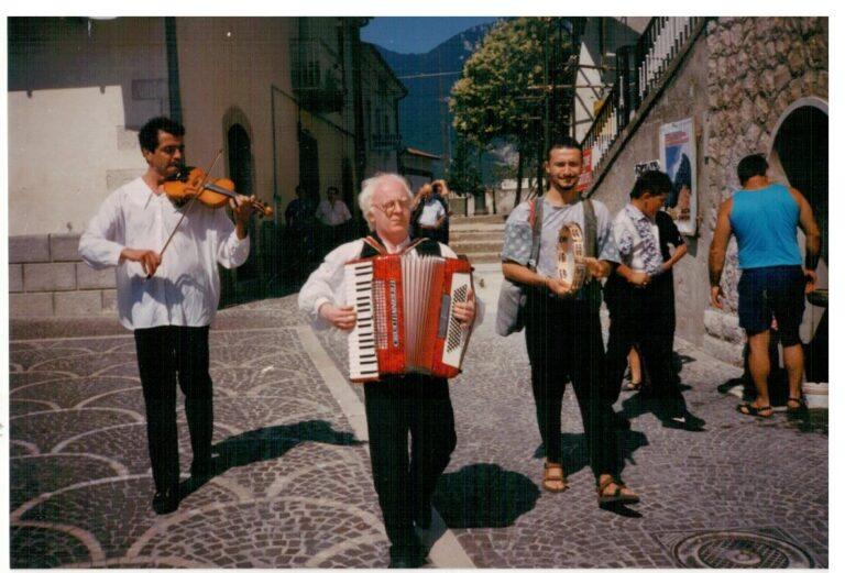 Scapoli (IS). 1994. Da sinistra: Nino Blasi, Carmine Damiani, Nico Genchi